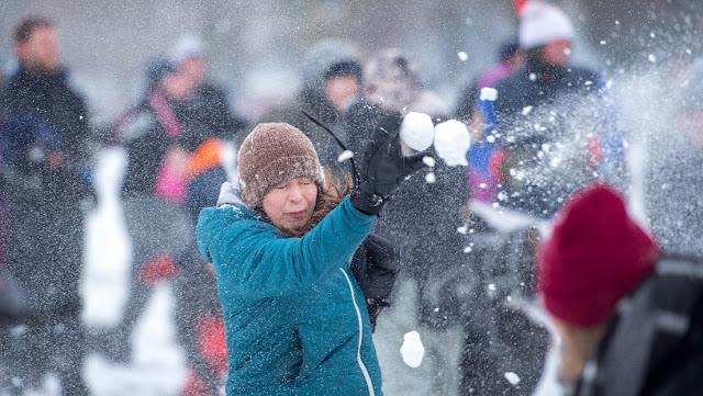 Una ciudad de EE.UU. legalizará las peleas de bolas de nieve tras prohibirlas durante más de medio siglo