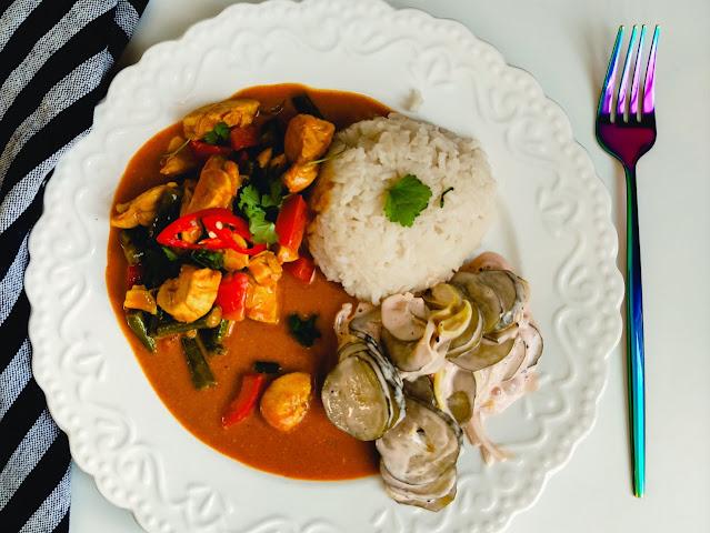 Czerwone curry z kurczaka z warzywami