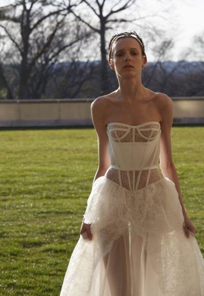 Impresionantes vestidos de novias | Colección Vera Wang 2017