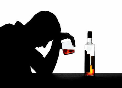 Thói quen bia rượu là một trong những nguyên nhân gây hôi miệng dai dẳng
