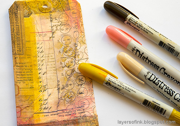 Layers of ink - Vintage Floral Tag Tutorial by Anna-Karin Evaldsson.