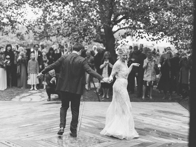 Niagara wedding planner | A Divine Affair | Sharon and Jurek . Photographer Calvin Frank. Wedding ceremony at Kurtz Orchards Gracewood Estates. Reception at Kurtz Orchards Marketplace. October harvest wedding decor. tented wedding. white pumpkins, live band