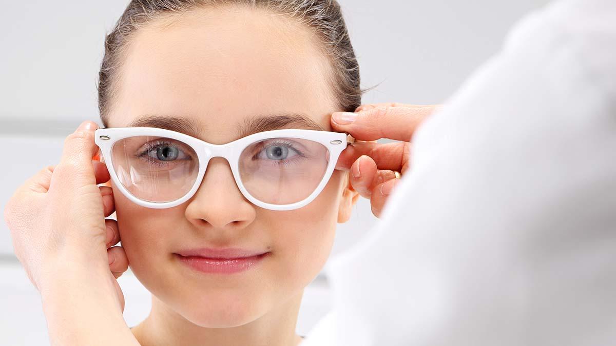Μυωπία: Γιατί αυξάνεται παγκοσμίως – Πώς το παιδί θα γλιτώσει τα γυαλιά