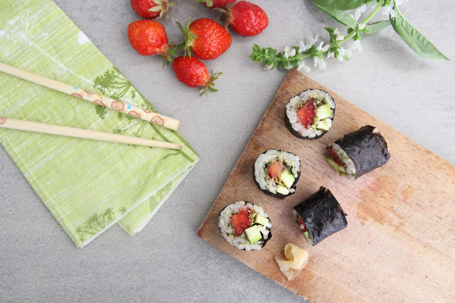 Cuillère et saladier : Makis de printemps : fraises, pesto, courgettes