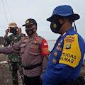Polsek Muara Gembong Dirikan Posko di Pantai Muara Bungin , Paska Jatuhnya Sriwijaya Air di Kepulauan Seribu