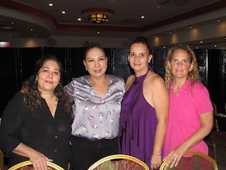 Mandina y Ludivina Menchaca, Blanca Nogami y María Pliego.