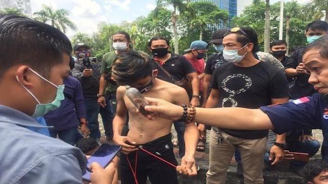Aksi Tolak Omnibus Law Cipta Kerja di Palembang, Pelajar SMK Bawa Bom Molotov