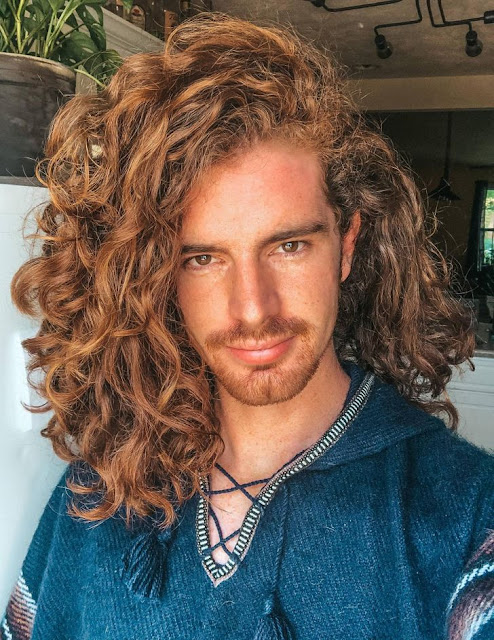 It turns out that curls are seductive not only for girls