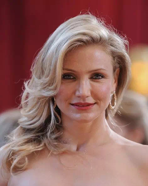 Cameron Diaz Blonde Hair With Curly Ends