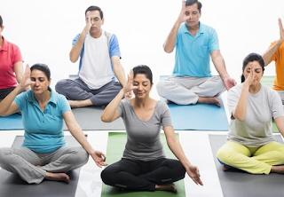 Manfaat yoga dan meditasi untuk kesehatan jiwa dan raga