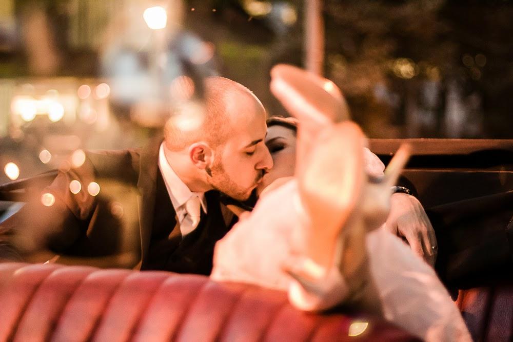 casamento-juliana-alisson-noivos-carro-4