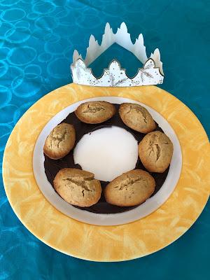 Couronne de madeleines des rois à la noisette sans gluten et sans lactose