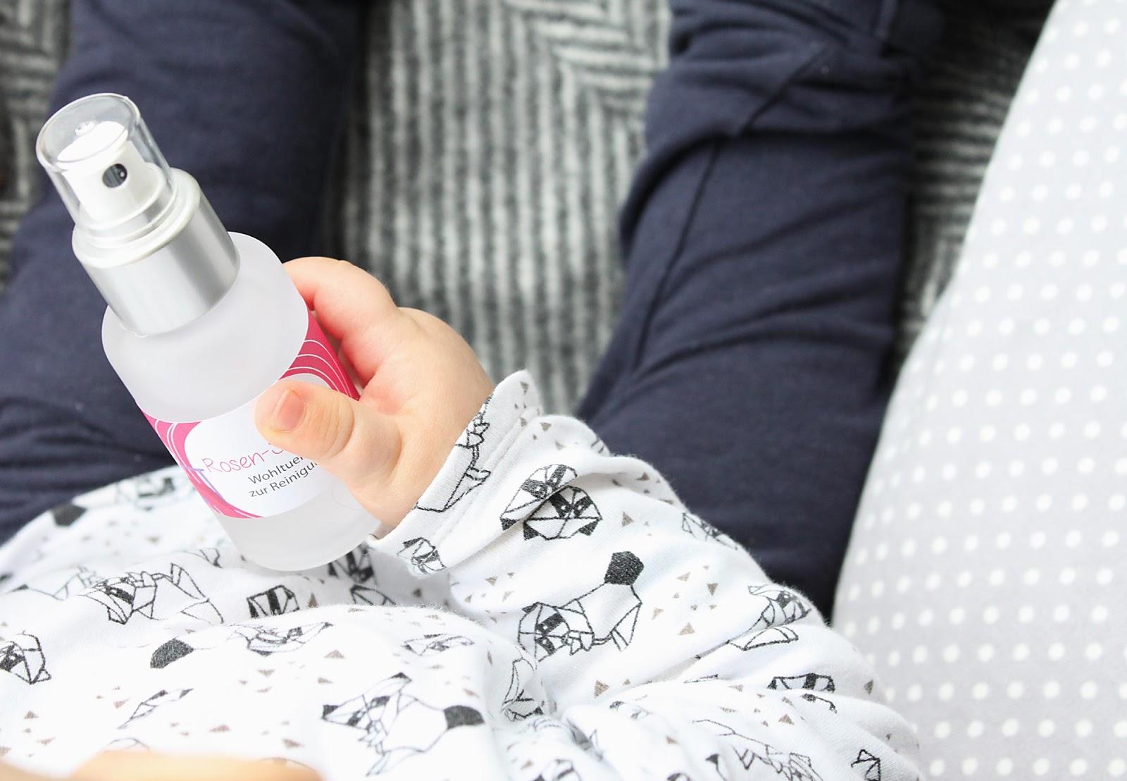 Natürliche Hautpflege mit reinen Inhaltsstoffen für junge Babys