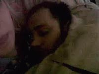 Sosok Hantu Tertangkap Berada Di Tempat Tidur