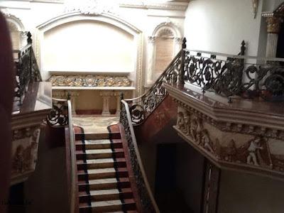 railing tangga  besi tempa terbaru