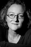 Elizabeth Haynes author pic
