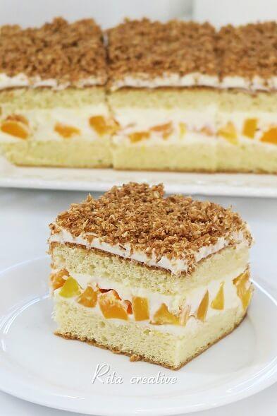 Ciasto biszkoptowe z brzoskwiniami