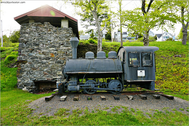 Ruinas Horno y Locomotora en Rockport, Maine