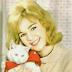ΣΥΛΛΕΚΤΙΚΟ! Η Αλίκη με μια γάτα