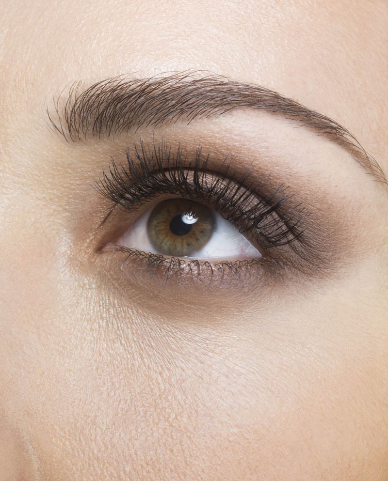 5 Makeup Tricks to Make Your Eyes Look Younger