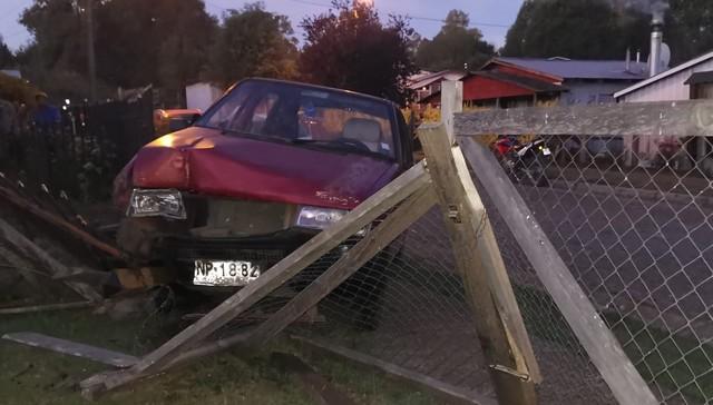 Conductor perdió el control de automóvil en Crucero