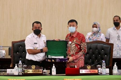 Bobby Nasution Sampaikan Ranperda RPJMD Medan Tahun 2021-2026