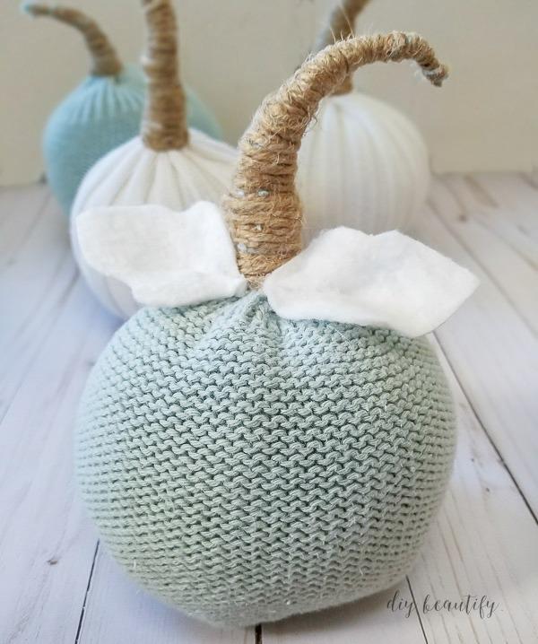 diy sweater sleeve into pumpkin