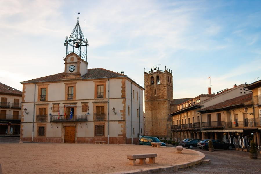Ruta de los pueblos rojos de Segovia. Riaza