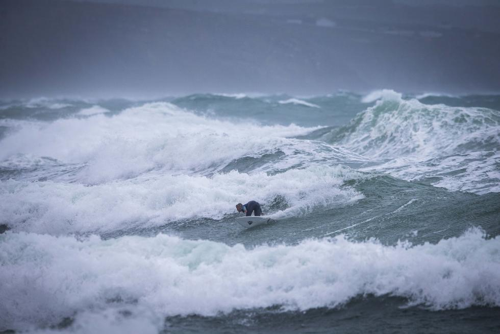 Top Juniors Take On Stormy Seas in Ericeira