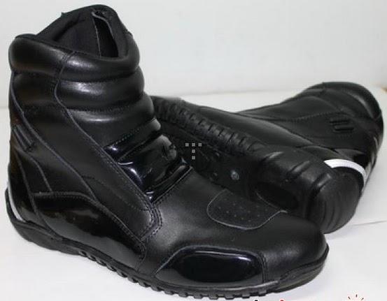 Info Sepatu Bikers  Sepatu Anti Air RVR Rescape - Solusi Berkendara ... 8a5415badb