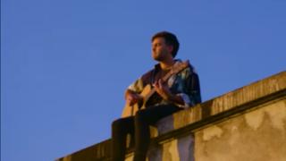 """Benjamin Walker presenta videoclip de """"La vuelta de los días"""" y anuncia concierto desde Matucana 100"""