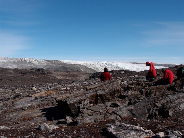 Equipe australiana em Isua supracrustal belt, em busca de fósseis antigos