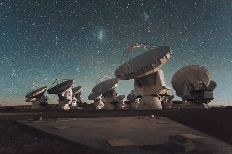 O Atacama Large Millimeter Array (ALMA)