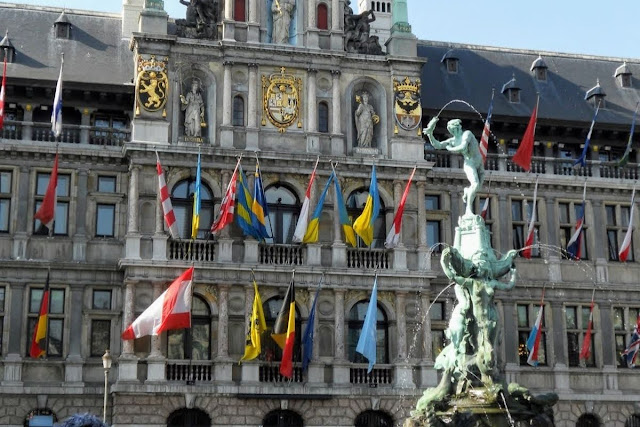 Antwerp in one day: Antwerp Grote Markt