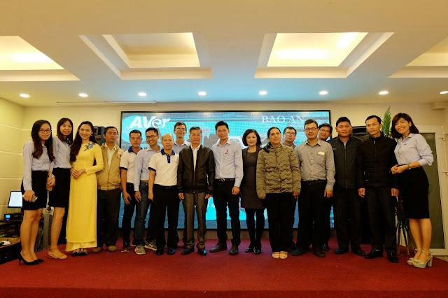 Hội thảo công nghệ truyền hình trực tuyến