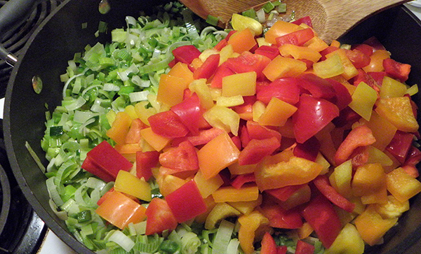 Red and Yellow Bell Pepper with Stir fried Leeks