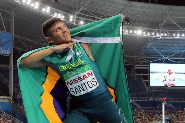 Paraibano Petrúcio Ferreira conquista ouro com recorde paralímpico e sela o bicampeonato