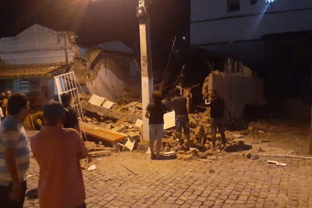 Bandidos explodem agência do Banco Bradesco no Sertão