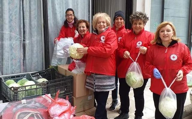 """""""Δέματα Αγάπης"""" σε 105 οικογένειες μοίρασε η """"Τράπεζα Αγάπης"""" του Ερυθρού Σταυρού Άργους"""