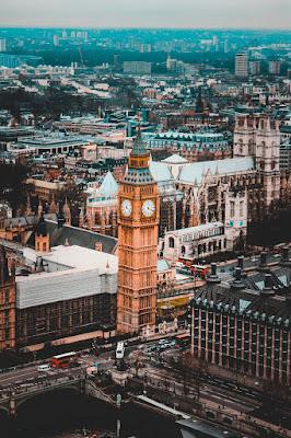 WORLD FASHION CAPITAL — LONDON