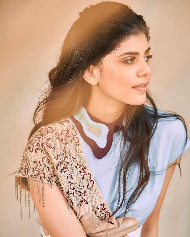 Sanjana Sanghi 8