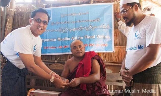 Dulu Muslim Myanmar Bantu Para Biksu Ketika Dilanda Musibah, Sekarang Muslim Rohingya Malah Di Bantai Para Biksu