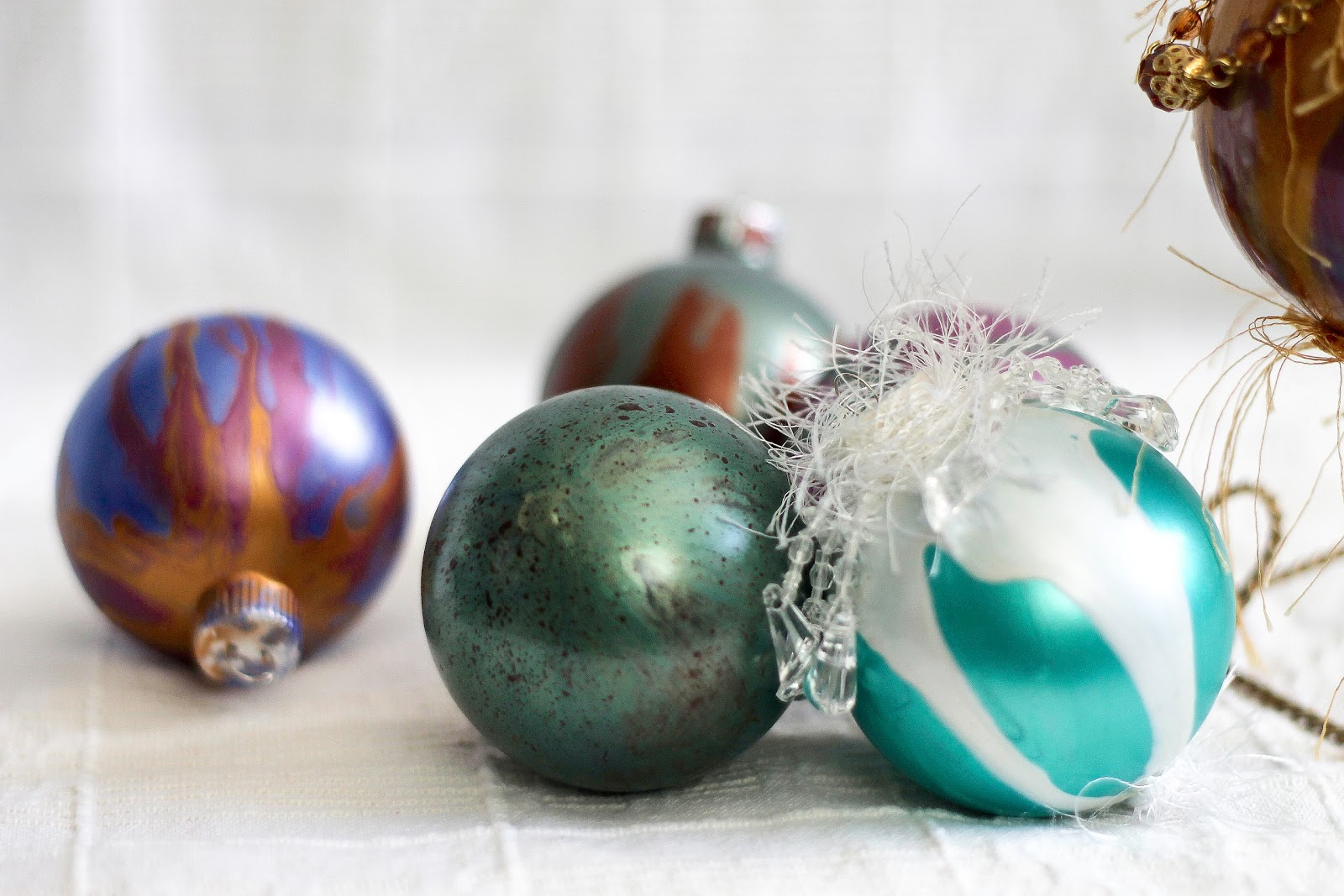 painting and decorating glass christmas bulbs - Glass Christmas Bulbs For Decorating