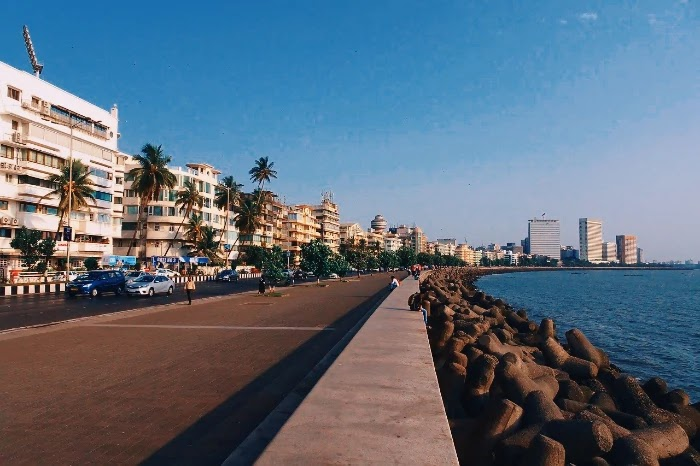 Marine Drive - Best Beaches in Mumbai