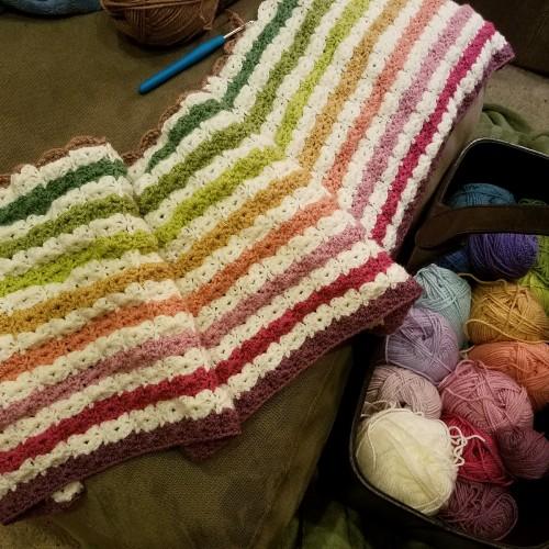 Hydrangea Stripe Blanket - Free Pattern