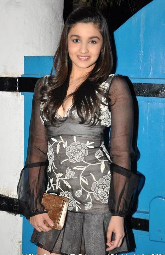 Alia Bhatt Dabboo Ratnani Calendar Launch ♥