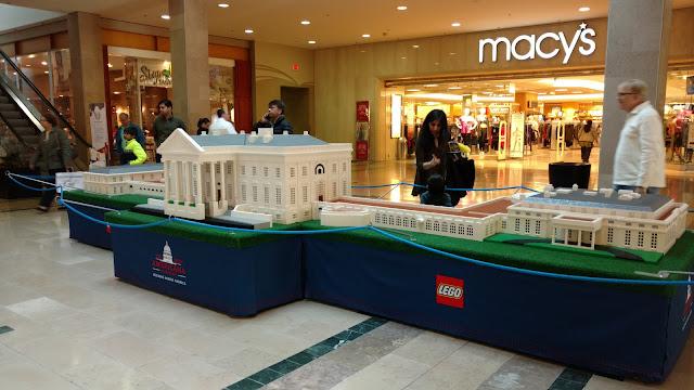 Білий Дім побудований з LEGO