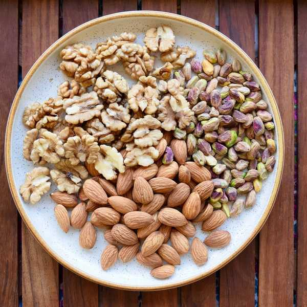 What Happens if You Eat Nuts Everyday