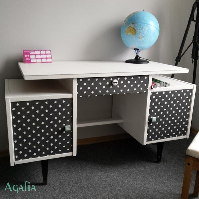 przemalowane biurko