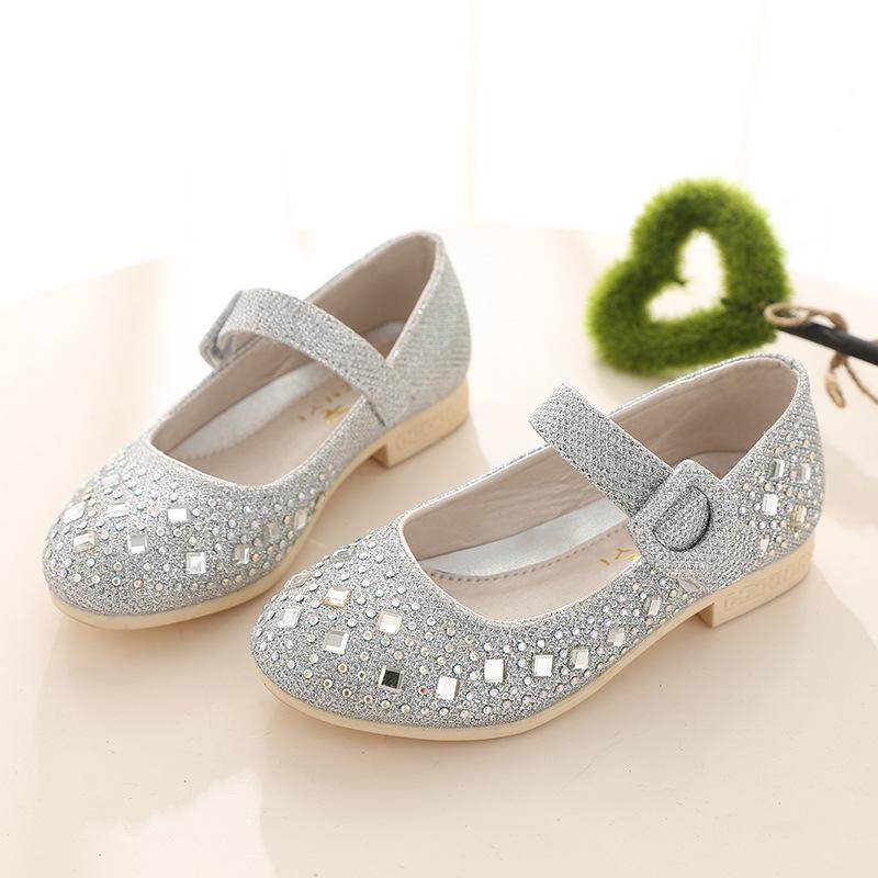 Vestidos y zapatos de fiesta para nina